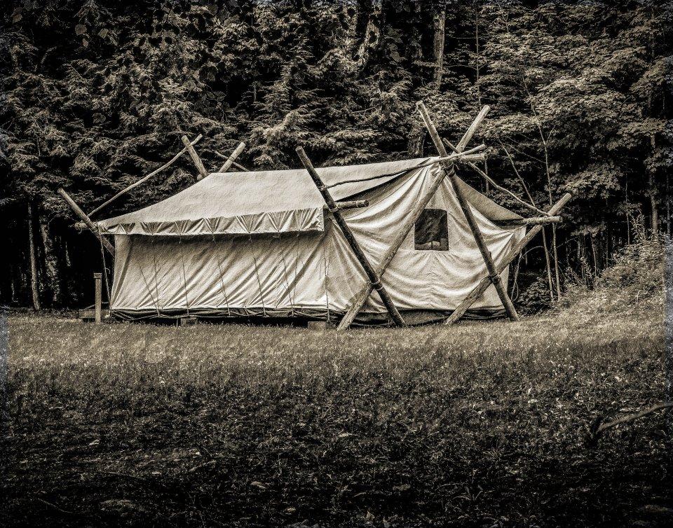 tent-vintage-2-0da5f92746d7e4f7e198f6f8b03151c74250ec47