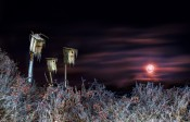 "3 Strobes, 28 Seconds and One ""Bloody"" Full Moon"