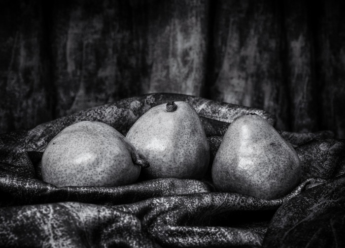 Les Trois Poires (The Three Pears)