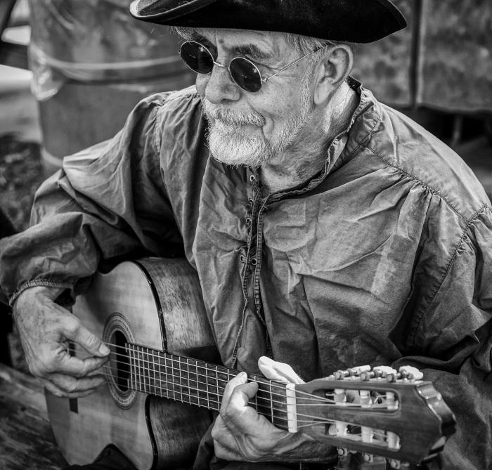 The Merry Folk Performer