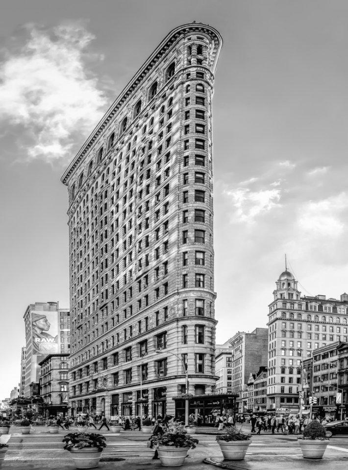 2017-01_Print_Charlie-Batchelder_The-Flatiron-Building-768x1038