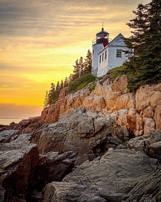 2017-09-28_print-opencolor_1441_chane-cullens_lighthouseatsunset_thumb