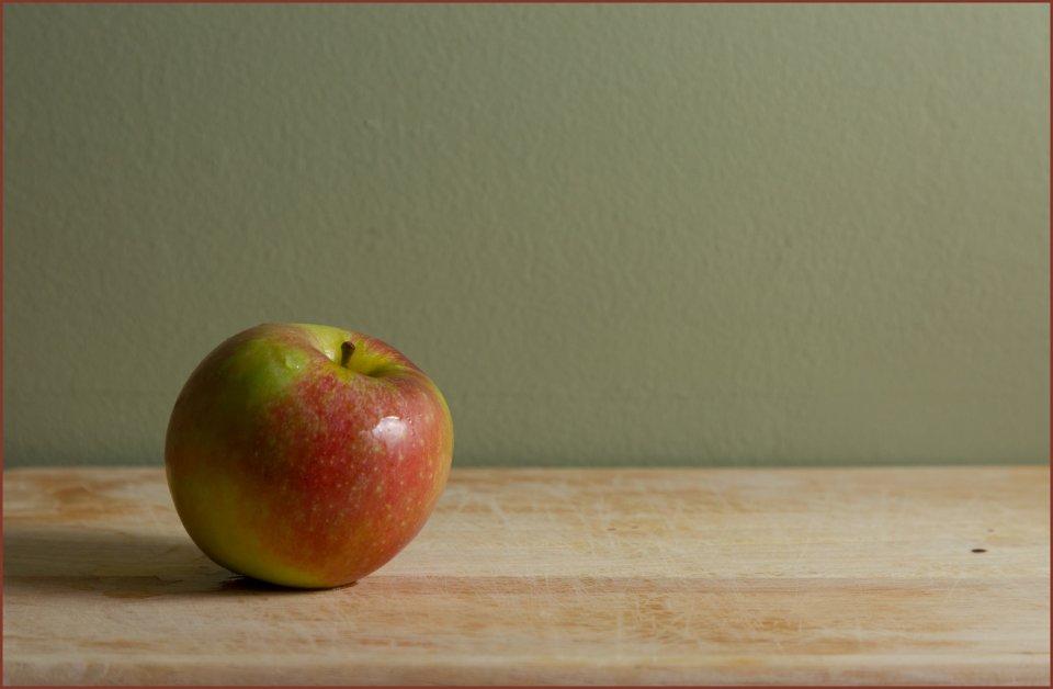 other20200404_scavengerhunt-ruleofthirds_q89zzg0_sandy-schill_apple