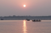 2016-10_DigitalB9_Margaret-Lee_Sunrise-Over-the-Ganges