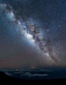 2016-11_DigitalA9_Darrell-Harrington_Milky-Way-above-the-clouds